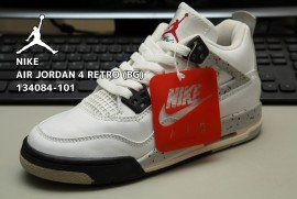 NIKE AIR JORDAN 4 RETRO (BG) 134084-101